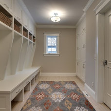 Traditional Closet by TC Homebuilders Inc