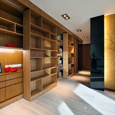 Contemporary Closet by The Interior Place (S) Pte Ltd