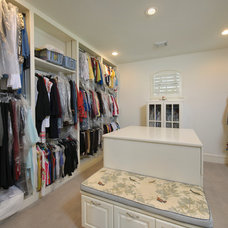 Traditional Closet by Heavenly Homes