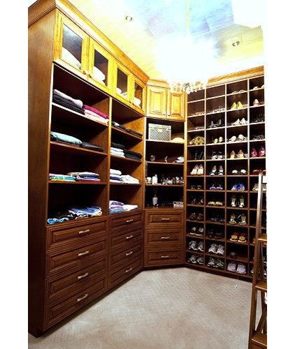 Traditional Closet by Hardwood Creations