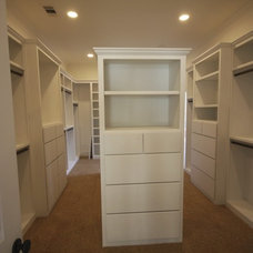 Traditional Closet by Alleanza Custom Homes