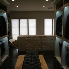 Modern Closet by The Closets Company