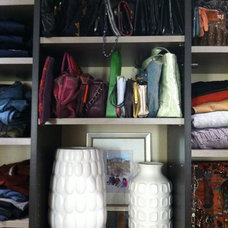 Modern Closet by Alyson Bell @ Home Staging & Decor