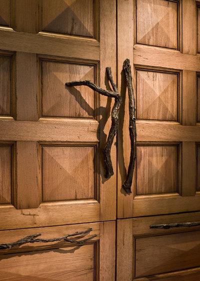 Klassisk Opbevaring & garderobe by PB Kitchen Design