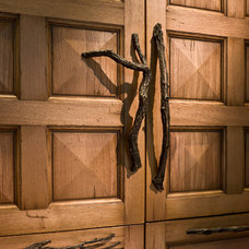 Traditional Closet by Past Basket Design