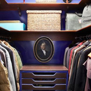 ニューヨークのエクレクティックスタイルのおしゃれな収納・クローゼットの写真