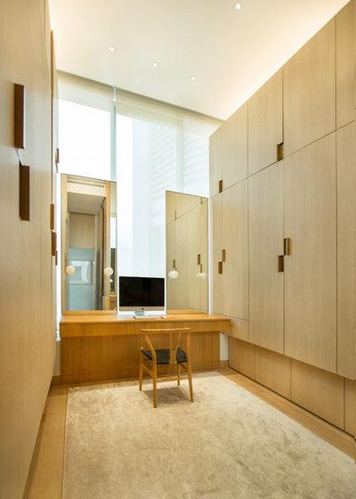 Contemporary Wardrobe by Brewin Design Office