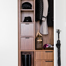 Modern Closet by David Sharff Architect, P.C.