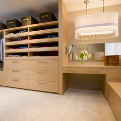 contemporary closet by THEREdesign ltd