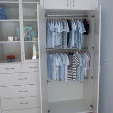 Modern Closet by Closet Crafters