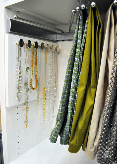 Moderno Armadio by California Closets Southdale