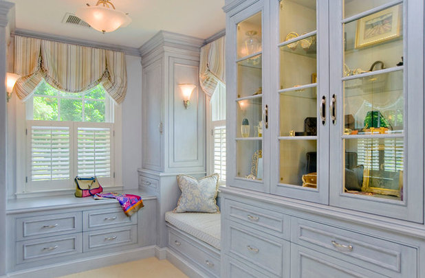 Traditional Closet by Vincent Greene Architects