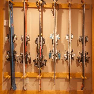Esempio di armadi e cabine armadio chic