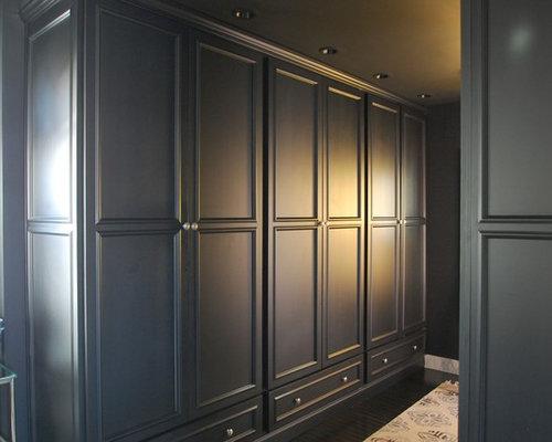 Armoires et dressings avec des portes de placard noires et un placard avec po - Dressing avec portes ...
