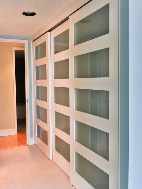 Old closet doors home design ideas pictures remodel and for Door design houzz
