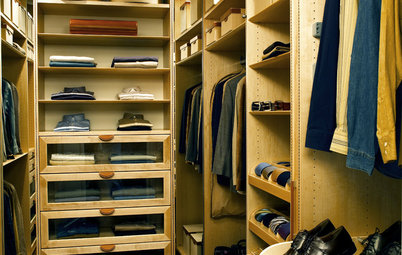 Closet Storage Solution: Fall Clothes In, Summer Clothes Out!