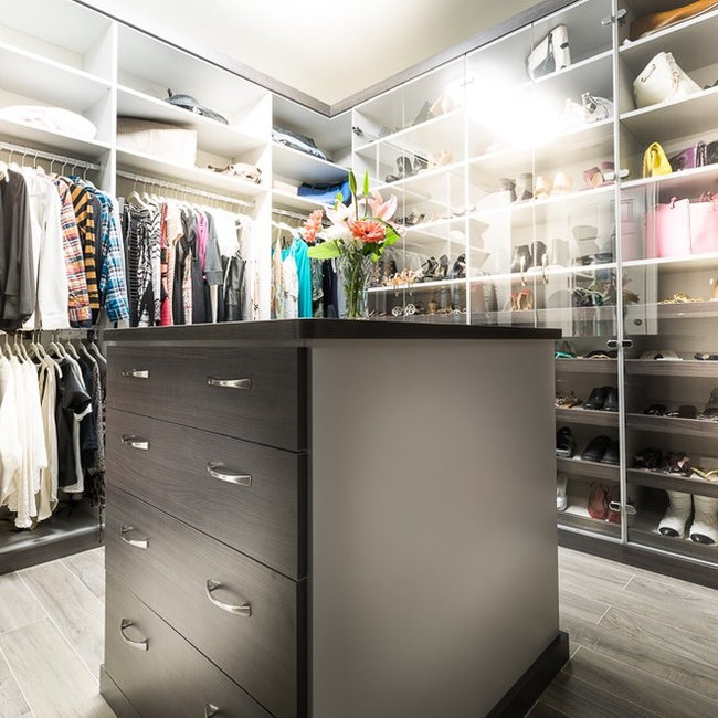 Calabasas His And Hers Walk In Closets