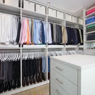 Inspiration för ett funkis walk-in-closet