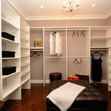 Contemporary Closet by Marie Hebson's interiorsBYDESIGN Inc.