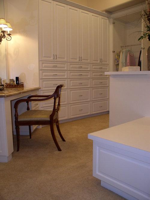 armoires et dressings sud ouest am ricain avec des portes de placard blanches photos et id es. Black Bedroom Furniture Sets. Home Design Ideas