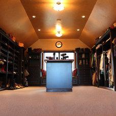 Traditional Closet Canyon Springs Closet