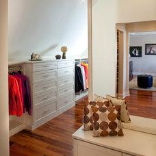 Modern Closet by Capitol Closet Design