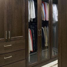 Closet by CDA Interior Design
