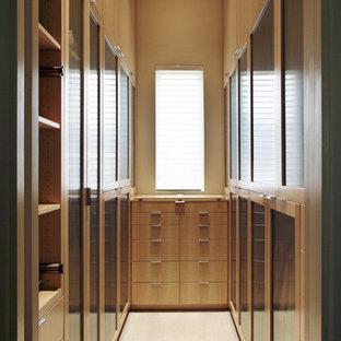 Inspiration for a contemporary closet remodel in Dallas