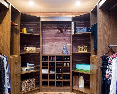 Cedar Walk In Closet