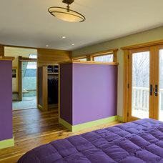 Modern Closet by Studio III architects