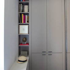 Contemporary Closet by Wettling Architects