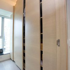 Contemporary Closet by Clifton Leung Design Workshop - CLDW.com.hk