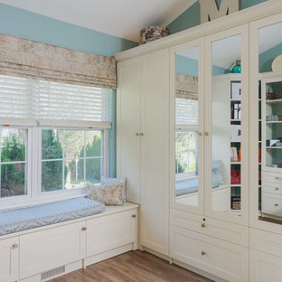 Chic Walk-In Closet With Bench Seat And Storage