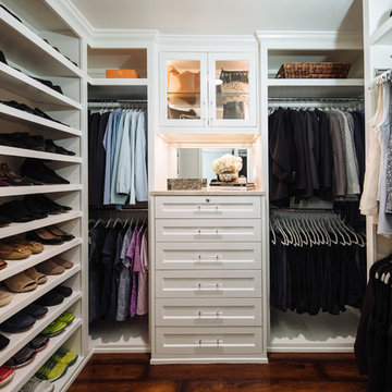 Chic White Small Closet Big Look