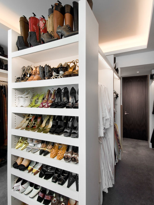 Example Of A Trendy Walk In Closet Design In Chicago