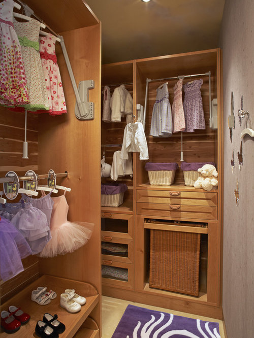 Best Curved Closet Rod Design Ideas & Remodel Pictures | Houzz