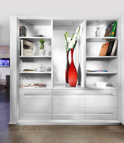 Contemporary Closet by Elad Gonen