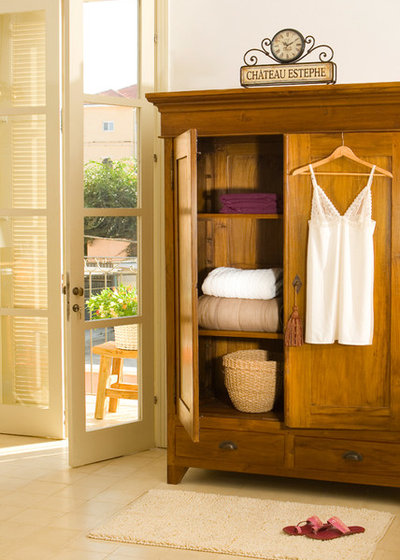 Delicieux 12 Ways To Use A Good Old Armoire