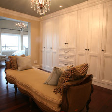 Traditional Closet by Enns Cabinetry Inc.