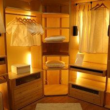 Contemporary Closet by International Closet Center