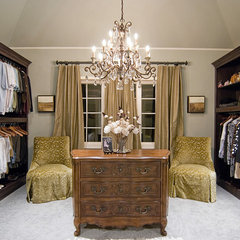 traditional closet by Home Design Center