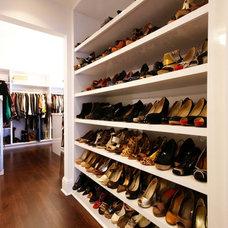 Contemporary Closet by Jonna Luxury Homes