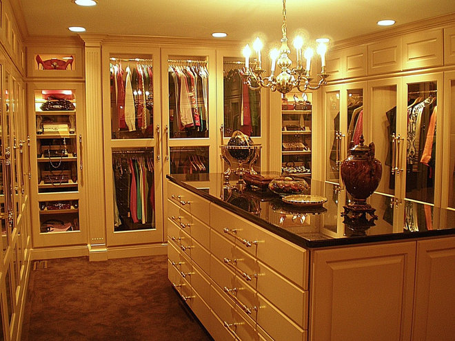 Traditional Closet by KL Cabinetry Design