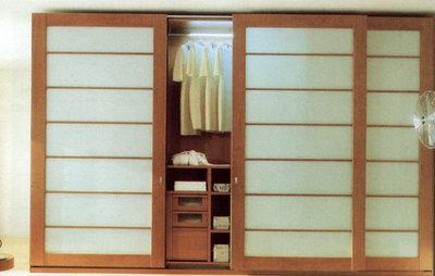Modern Wardrobe by Moshir Furniture