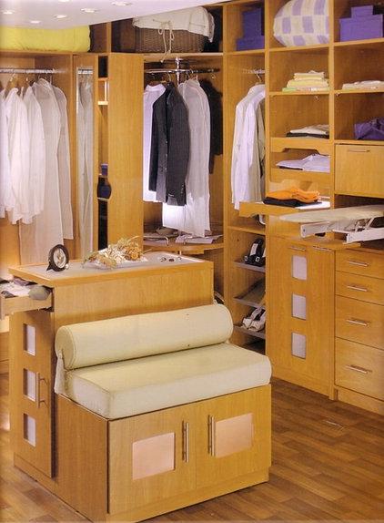 Closet by Moshir Furniture