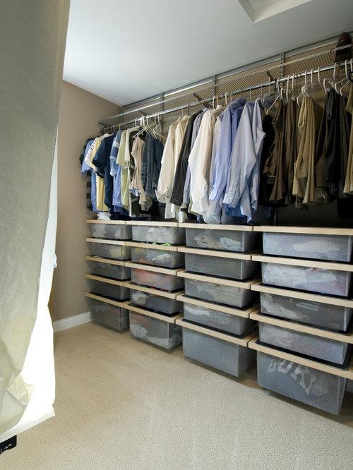 minimalist closet photo in minneapolis