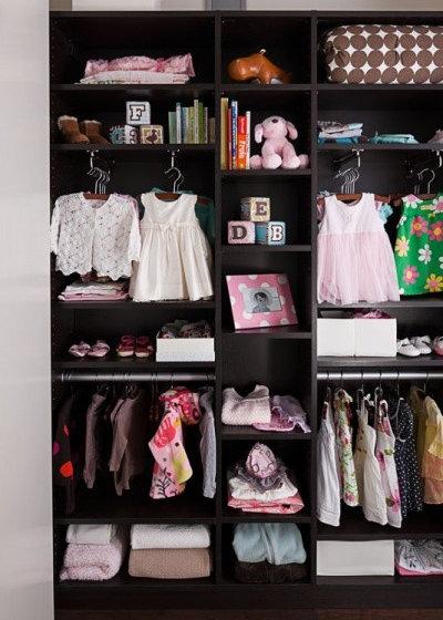 9 idées déco pour ranger les vêtements d\'enfants