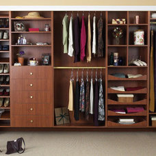 Contemporary Closet by Tailored Living North Vancouver