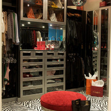 Closet by Tran + Thomas Design Studio