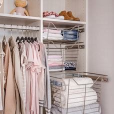 Modern Closet by Tailored Living featuring PremierGarage
